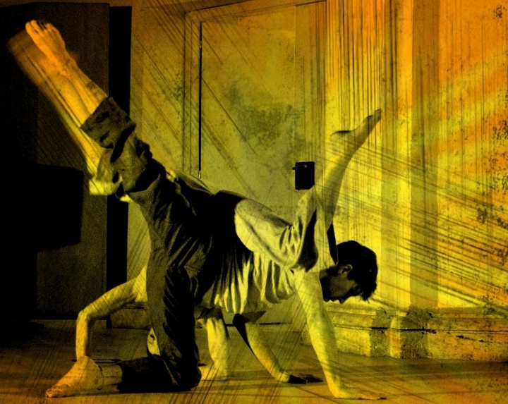 Contact improvisación: Touch point and fly. Clase abierta