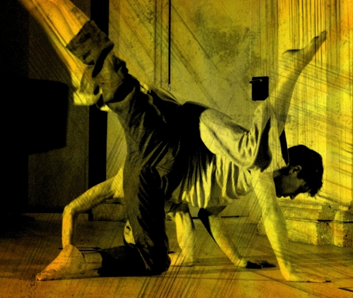 Contact improvisación: Touch point and fly