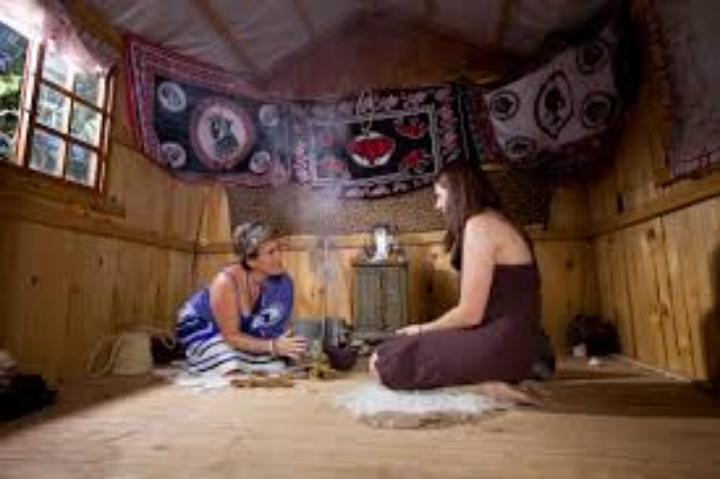 Alexandra TRADITIONAL HEALER,HERBALIST DOCTOR AND LOST LOVE SPELL CASTER,whatsapp +27788111252