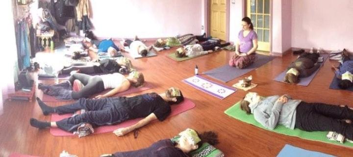 Vinyasa Yoga in English