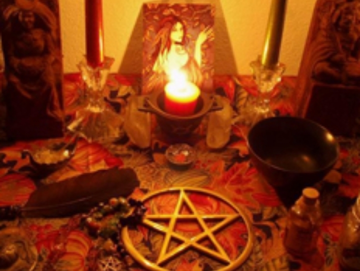 Call +91-7347641657 mantra to attract any wom
