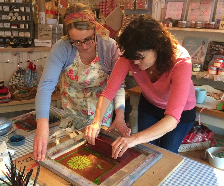 Introduction to silk screen printing course