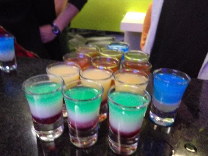 #mercoledì #chupito #ferrara #cocktail #vino #spritz al #bar #chupiteria offerta #matricole #universitari