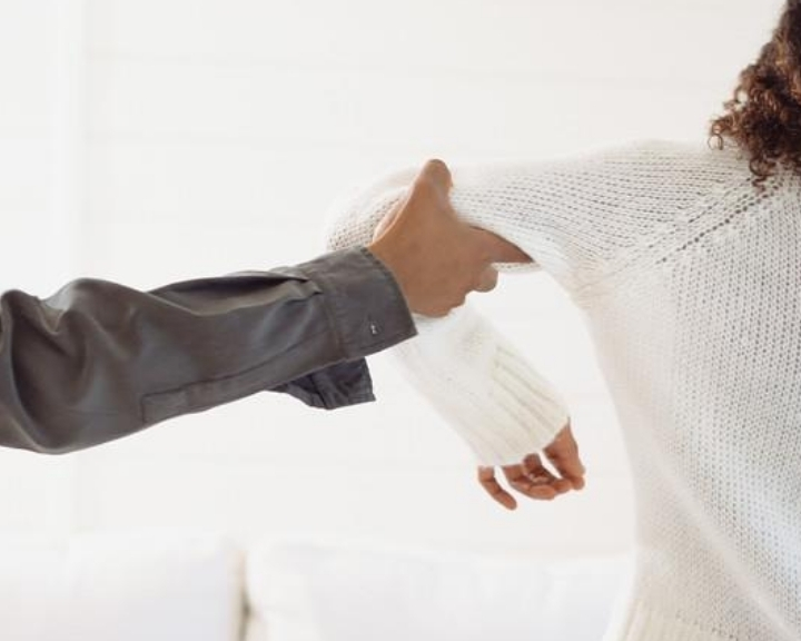 Women's Self-Defense Class: Escaping Common Grabs