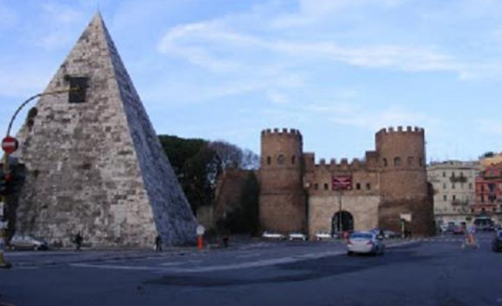 La Piramide Cestia - Visita guidata con apertura straordinaria ed esclusiva, Roma