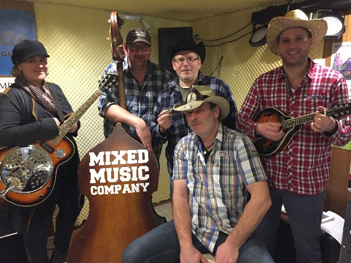 MIXED MUSIC COMPANY - Live in der Kneipe Hend