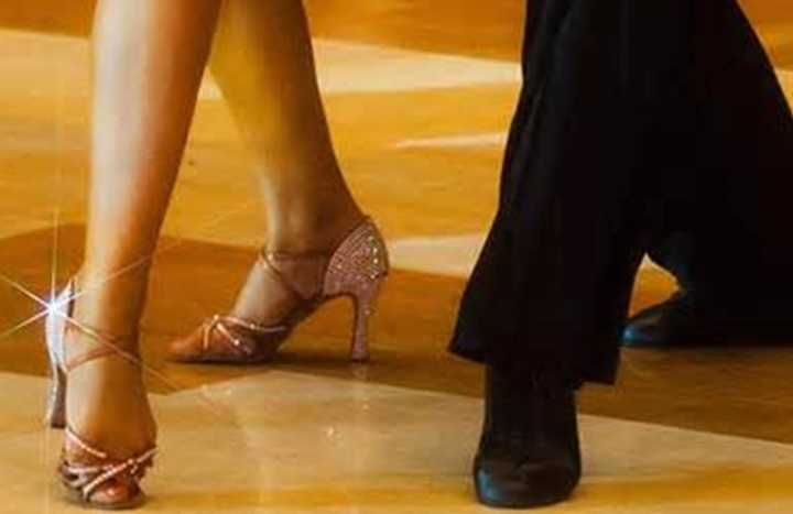 Improvers Ballroom & Latin Dance Class - Adul