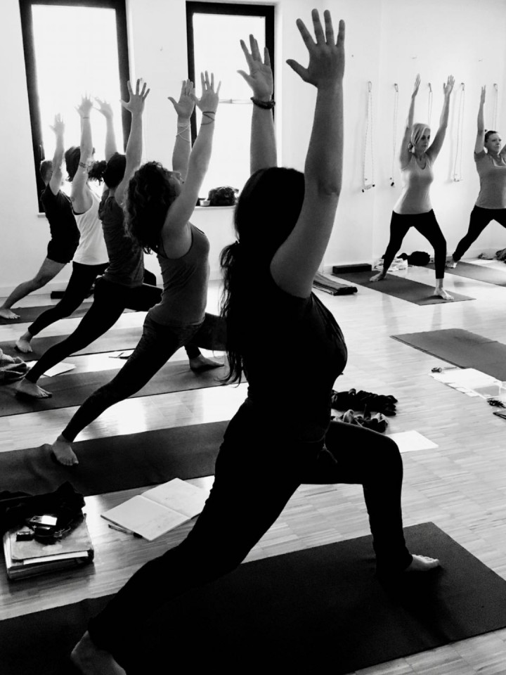 L'arte del vinyasa. Workshop di Yoga Corretti