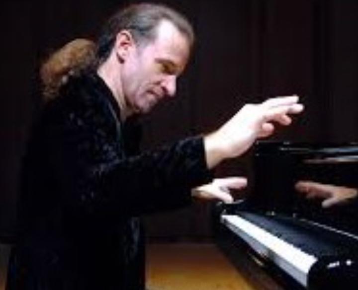 Kemal Gekic, Piano