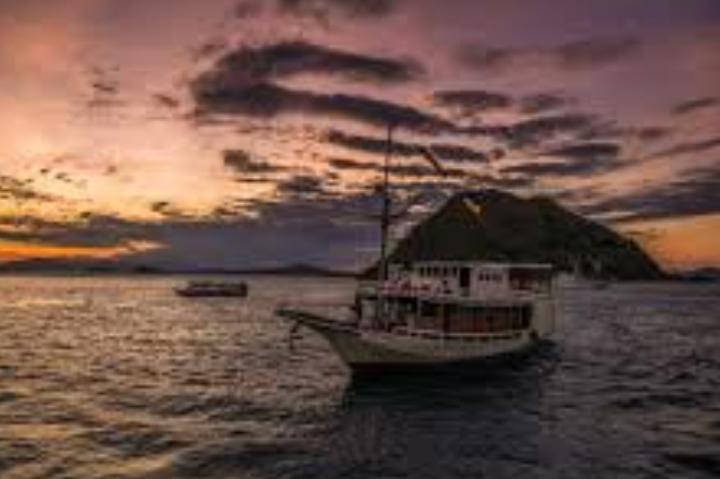 OPEN TRIP SAILING KOMODO 2018 - JEJAKMIRACLEA
