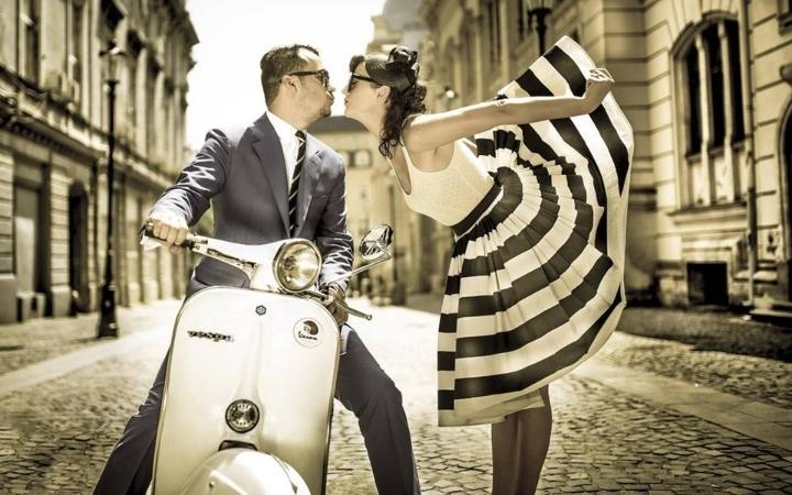 She Skirts, He Flirts! Speed Dating