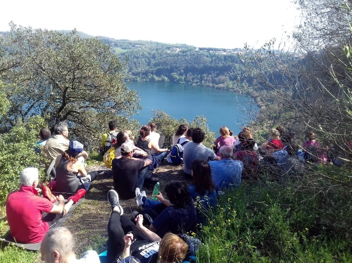 25 Aprile tra cielo, lago, prati e boschi: Se