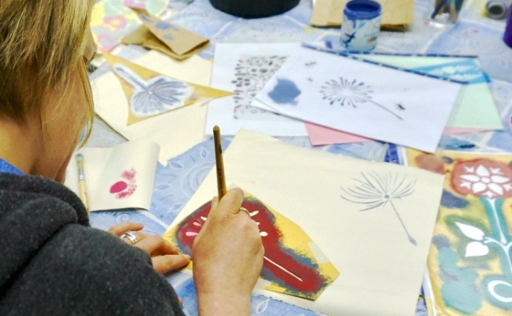 Learn How To Make Stencilled Wall Art