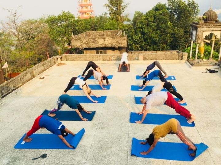 100 Hour Yoga TTC Course In Rishikesh