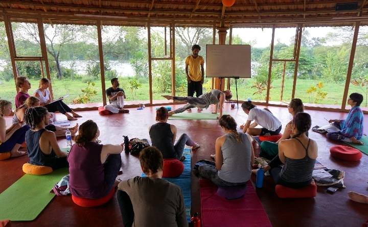 200 hrs Traditional Hatha Yoga Teacher Traini