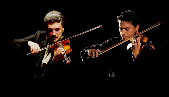 Signori violini,... al duello!