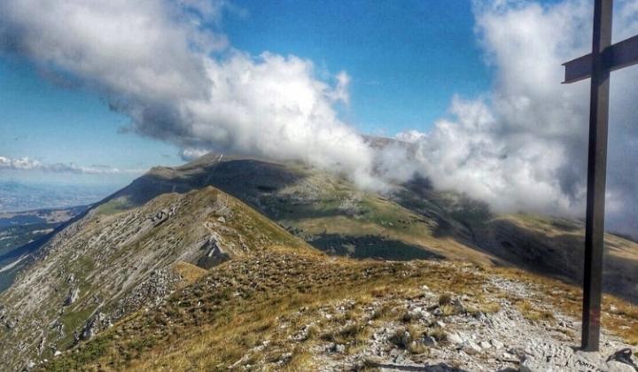 Sulla vetta del Monte Porrara