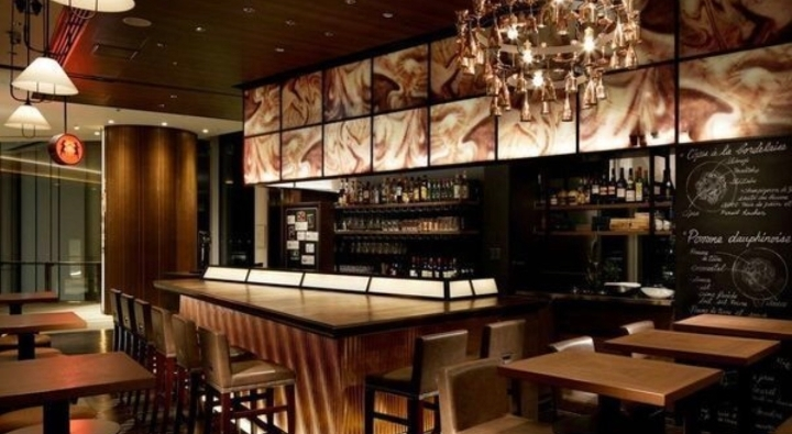 Drinks @ a Stylish Bar in Toranomon Hills / 虎