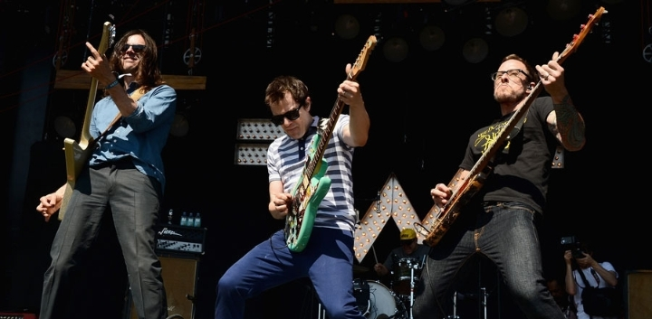 Weezer & Pixies at KFC Yum! Center, Louisville, KY