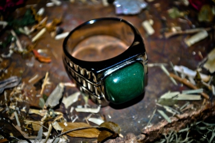 perform miracles with a Magic Ring