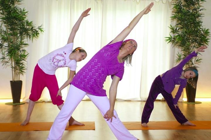 Yogaferien für Groß und Klein  vom 27. Juli bis 02. August 2019 im buddhistischen Zentrum Pauenhof in Sonsbeck/NRW am Niederrhein - 6 Tage nur 249 €
