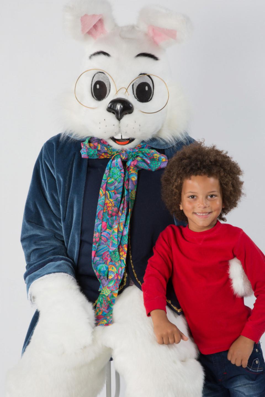 Easter Bunny Photo Experience At La Plaza Mal