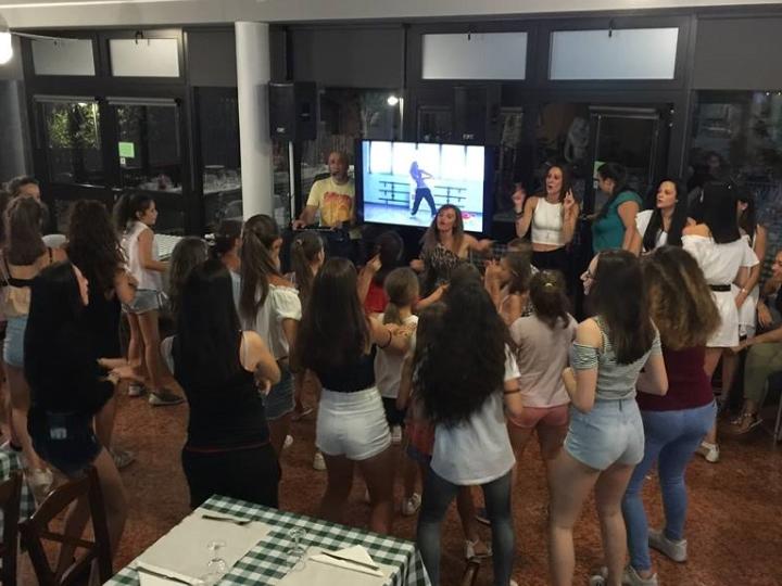 giropizza con Karaoke e balli