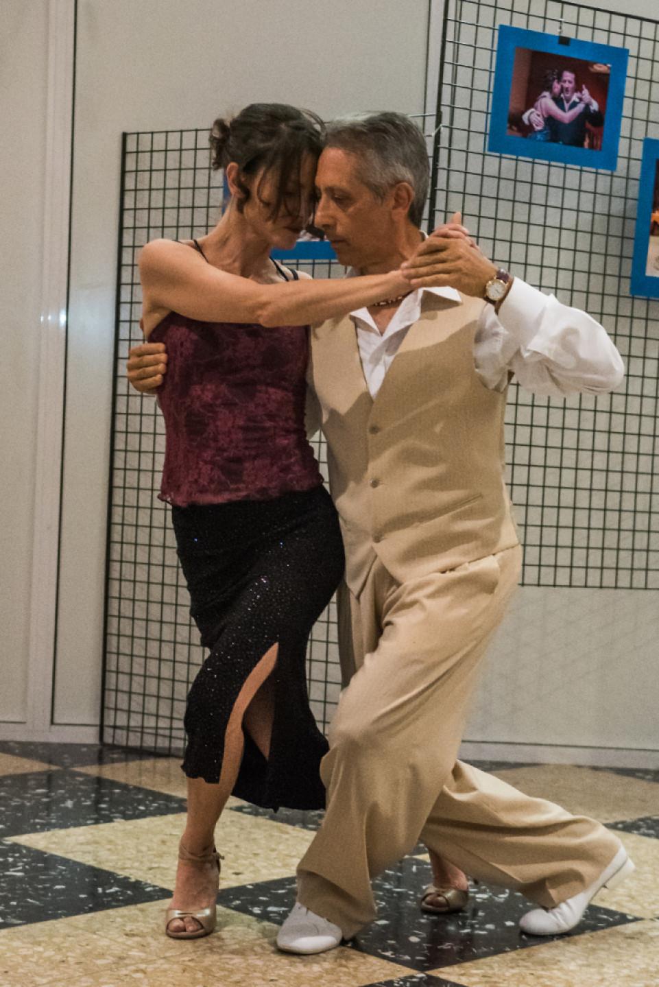 Tango Argentino . Lezioni di prova gratuite per tutto settembre.